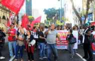 Paralisações, protestos e bloqueios marcam a greve contra reformas de Temer