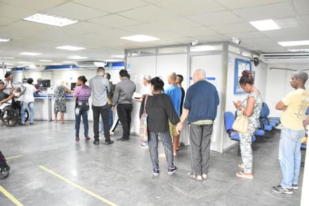 Bolsonaro corta verba e INSS pode parar em setembro