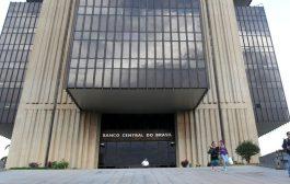 Com Bolsonaro, aumenta a miséria, mas bancos lucram como nunca
