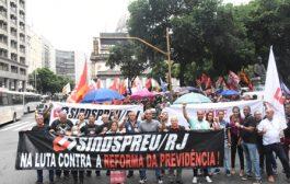 Da Candelária à Central, milhares afirmam que 'Nova Previdência' de Bolsonaro é o fim da aposentadoria