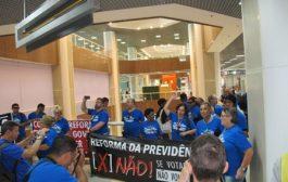 Sindsprev/RJ protesta contra reforma da previdência na terça (16), no aeroporto Santos Dumont