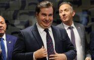 Partidos governistas aproveitam crise do coronavírus para aprovar MP de Bolsonaro que reduz direitos