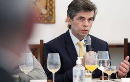 Nelson Teich mostra conivência com irresponsabilidade de Bolsonaro no trato da covid-19