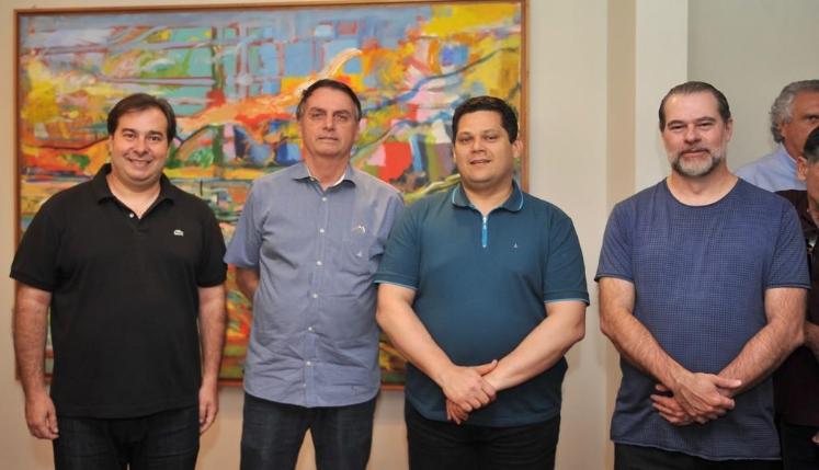 Até quando o pacto entre os poderes pode evitar a queda de Bolsonaro?