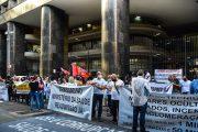 Saúde Federal aprova plano de lutas por reajuste, readmissão de demitidos, concurso e garantia das 30h