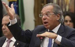 Guedes quer driblar STF e mudar Constituição para reduzir salário do servidor