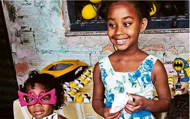 Movimentos protestam pelas mortes de duas crianças negras em comunidade de Caxias