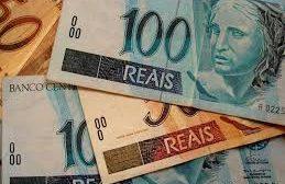 Para 2021, governo Bolsonaro propõe zero de reajuste no salário mínimo