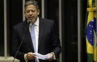 Emenda 32 de Bolsonaro, que acaba com o serviço público e gratuito, começa a tramitar na Câmara