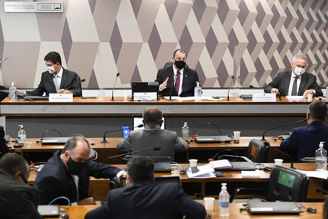 Começa a funcionar CPI que investiga Bolsonaro por genocídio